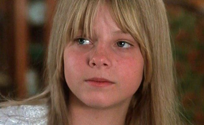 jodie-fosters-first-great-performance-the-little-girl-who-lives-down-the-la