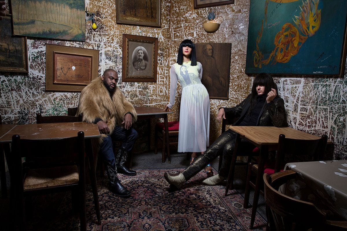 Khruangbin Go All-Out Summer with New Dub Mix, 'Hasta El Cielo'