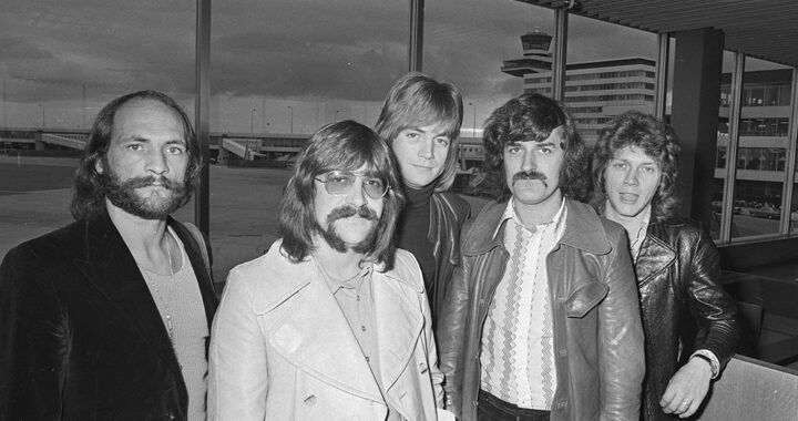 Meanwhile and Far Away: The Moody Blues' 'Long Distance Voyager' at 40
